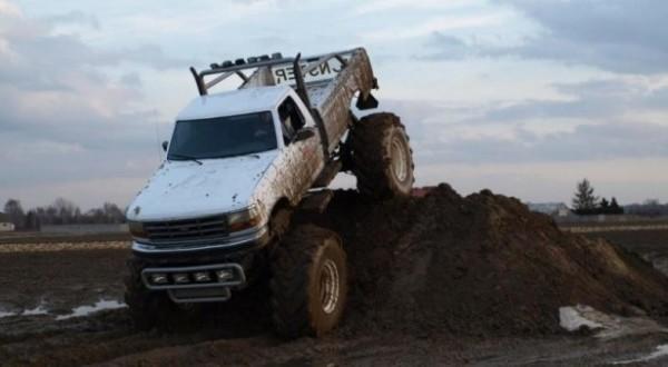 ekstremalna-jazda-monster-truckiem-warszawa-zdjecie-5-18